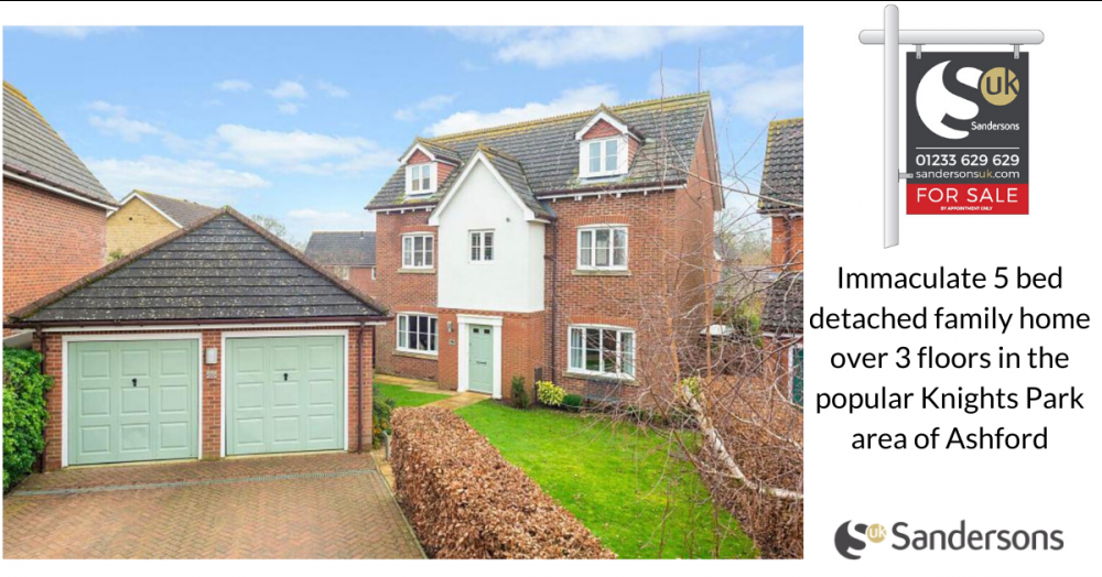 Immaculate double fronted 5 bed detached home in popular Knights Park